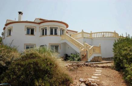 Villa and Pool  in Rafol de Almunia for sale